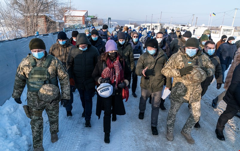 Minister for Foreign Affairs Ann Linde visits OSCE SMM in Ukraine .